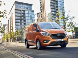 2017_Nuovo-Ford-Transit-02