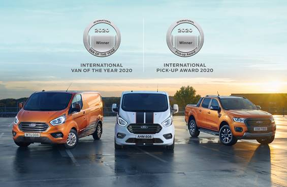 Doppia vittoria per i veicoli commerciali dell'Ovale Blu: Il Ford Transit Custom è International Van of The Year 2020